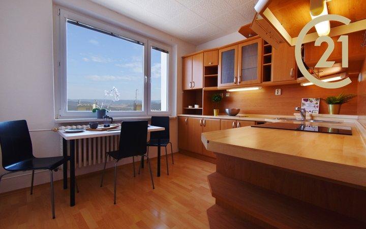 Prodej bytu s výhledem 2+1, 64 m² s lodžií - Brno-Bystrc ul. Teyschlova 16