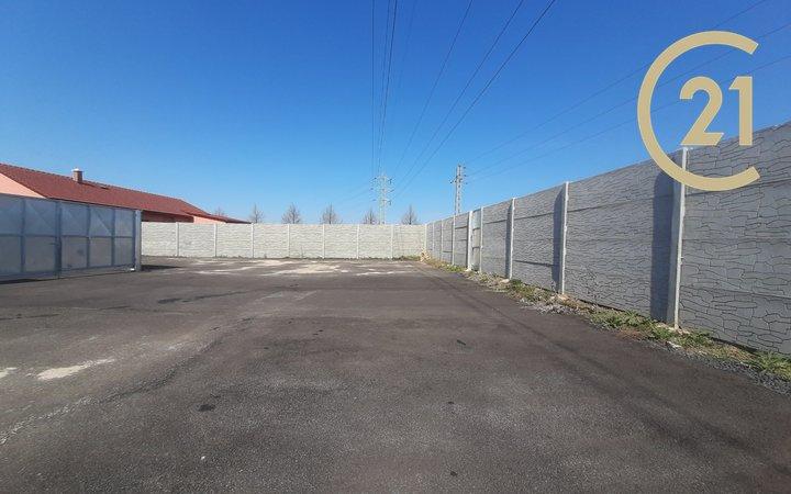 Prodej skladové a parkovací plochy v Roudnici nad Labem o výměře 328m²