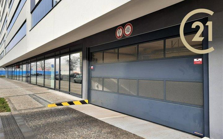 Pronájem garážového stání 21m² - Praha 7, Argentinská ul.