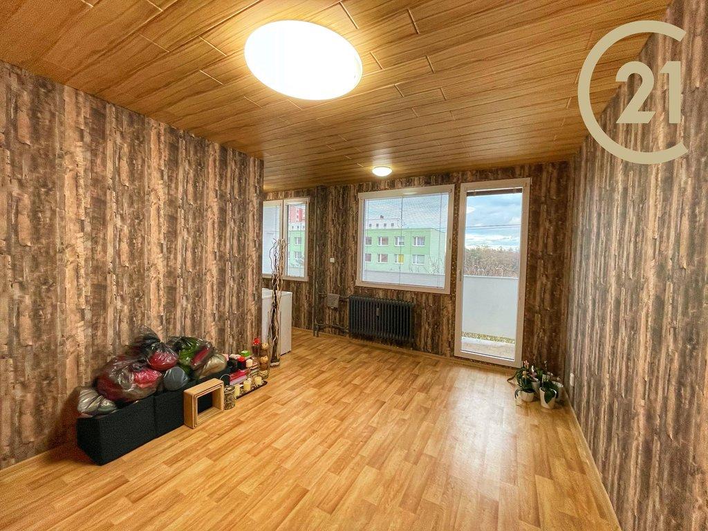Krásný a slunný byt 1+kk 33m2 s lodžií, Kladno