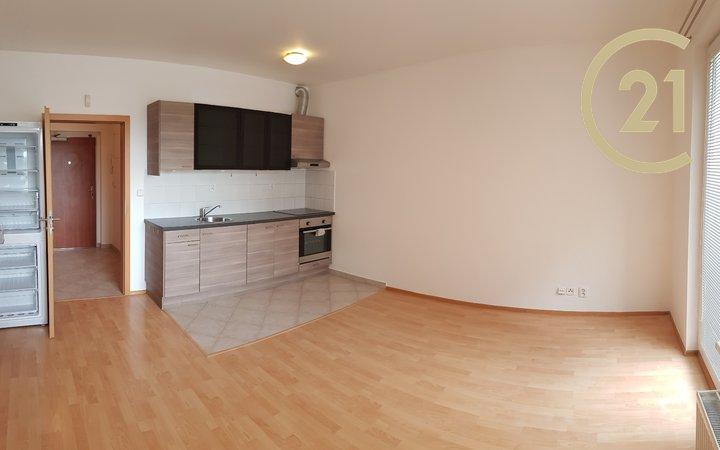 Prodej bytu 1+kk, 30m² - Praha - Zličín, Sazovická 13