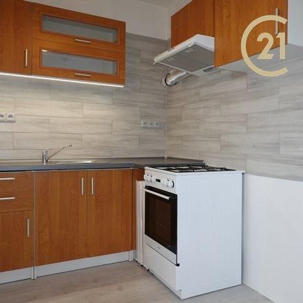 Pronájem celkově a velmi moderně zrekonstruovaného bytu 2+kk (37m2) s prosklenou lodžií.