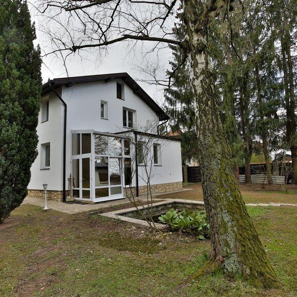 Prodej RK 6+1, s luxusní zahradou, dvojgaráží v  Újezdě nad Lesy