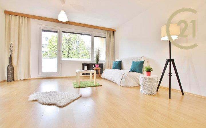 Prodej bytu 4+1 s balkonem, 82m² - Brno - Židenice, ulice Bořetická.