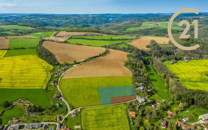 Prodej stavebního pozemku 1 998 m2 + 7 995 m2 pole