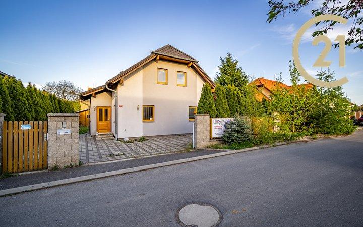 Pronájem, Rodinné domy, 145m² - Šestajovice