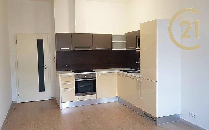 Hálkova 42, Plzeň - byt č. 9, 3. NP, 2+kk o výměře 49,5 m²