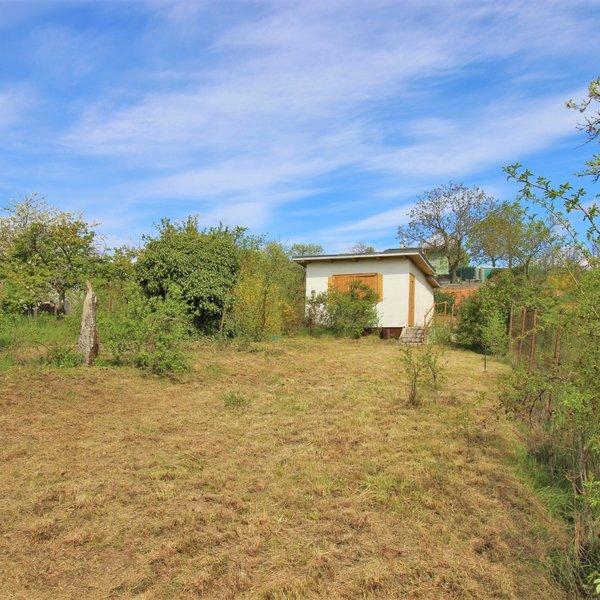 Chata v Ostopovicích u Brna, celková plocha pozemku 428 m2, vhodný pro rekreaci