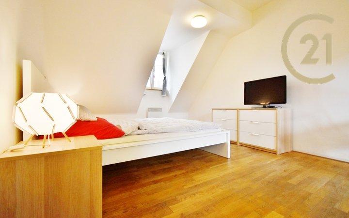Pronájem krásného bytu po rekonstrukci 1+kk, 30 m² - ul. Panská 7, Brno