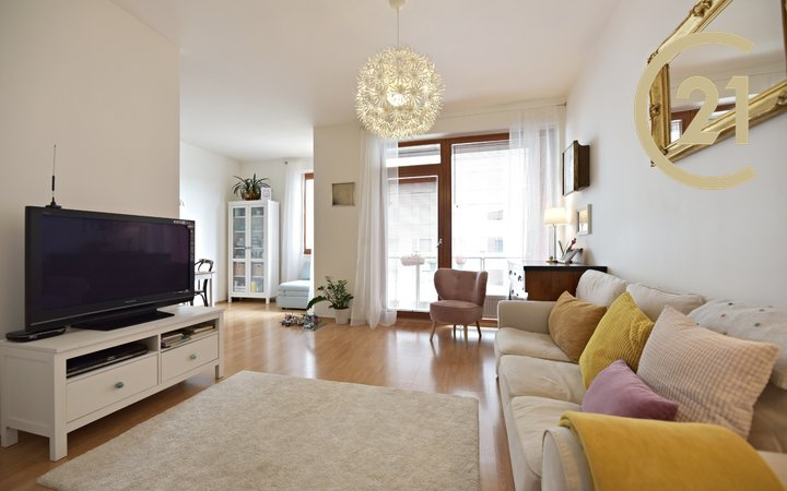 nabízí, pronájem, byty 2+kk s terasou, Praha - Žižkov