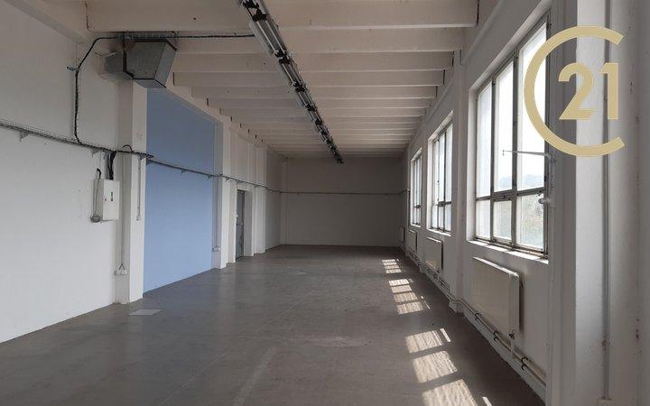 Pronájem skladových prostor Zlín část Malenovice, 360 m²
