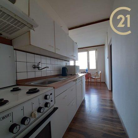 Zlevněno Pronájem bytu 3+1 (možno jako 4+kk), 79m², balkon, sklep