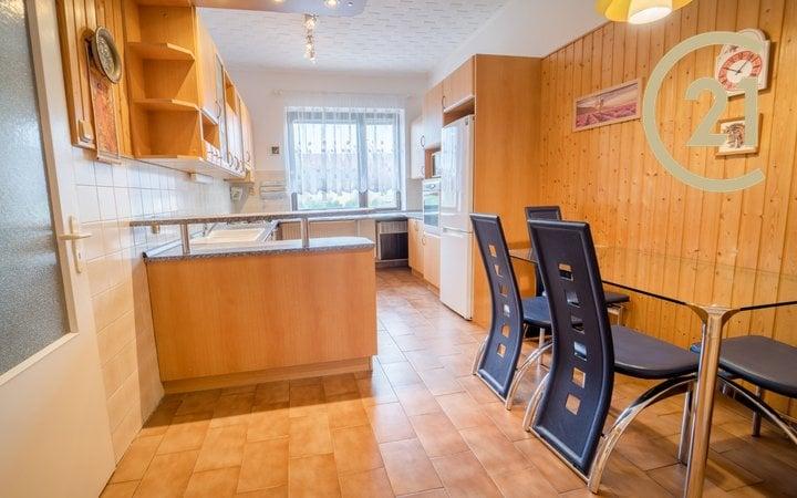 Pronájem krásného bytu 3+1 s lodžií v rodinném domě, Staňkova, Pardubice