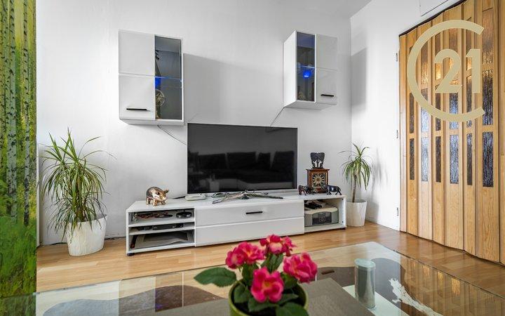Prodej bytu 3+1, 81m² - Černý Most, ul. Breitcetlova
