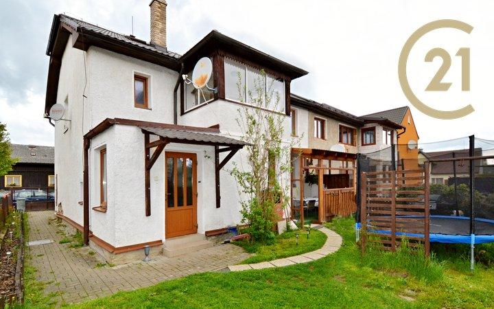 Rodinný dům, 2x byt.j.,198m2, Nýrsko, Klatovy