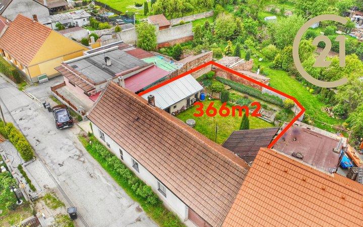 Krásný rodinný dům 2+1 s garáží a pozemkem 366m2, Břešťany