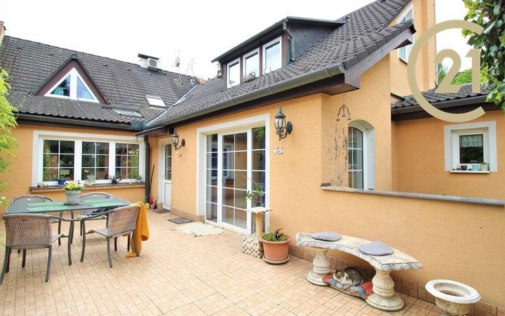 Řadový rodinný dům Rozdrojovice, užitná plocha cca 265 m2, v blízkosti Brněnské přehrady, vhodný pro početnou rodinu