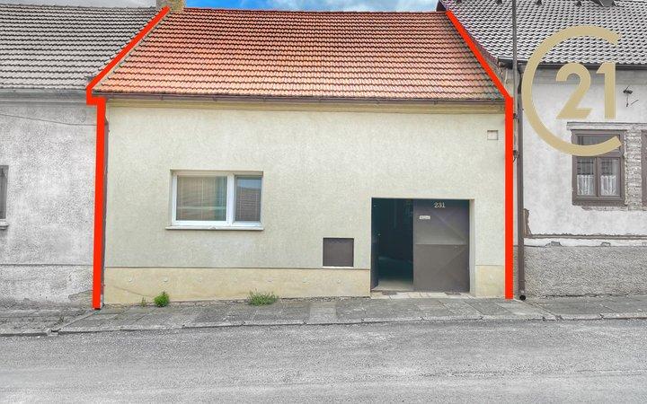 Krásný rodinný dům 3+1 76m2 s garáží a terasou, Pchery u Kladna