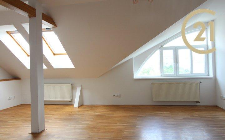 Prostorný byt na žádané adrese na Praze 10, plocha 105 m2