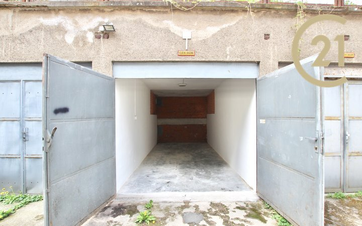 Pronájem garáže 15 m² a dalšího parkovacího místa - Brno-město, Údolní