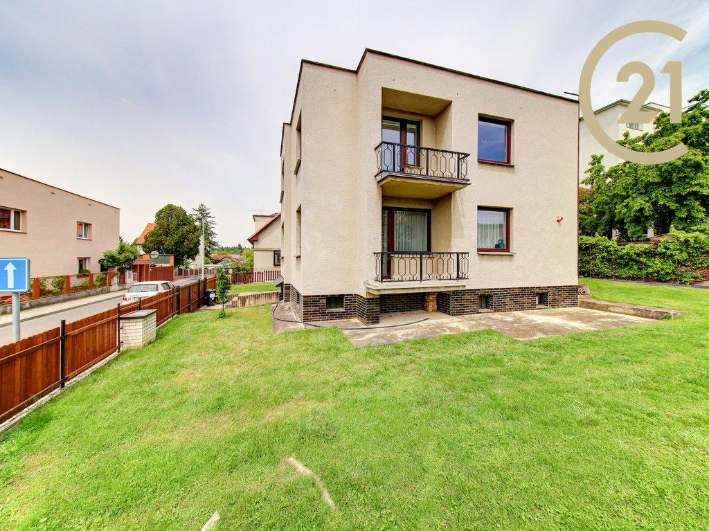 Samostatný rodinný dům, 156m² se sklepem a garáží,
