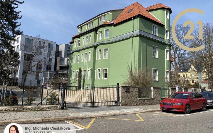Pronájem, kompletně zrekonstruovaný byt 3+kk, 89 m², Liberec, Tyršova, s parkováním