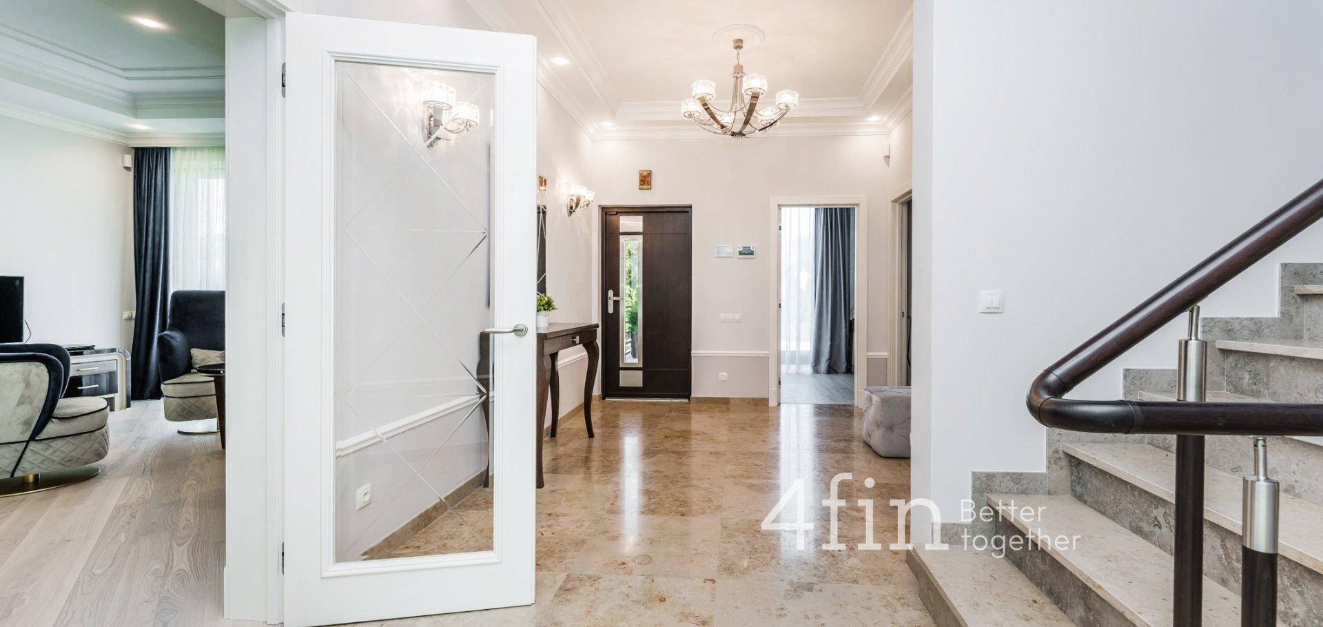 Pronájem luxusní vily 433 m2 - Praha - Troja