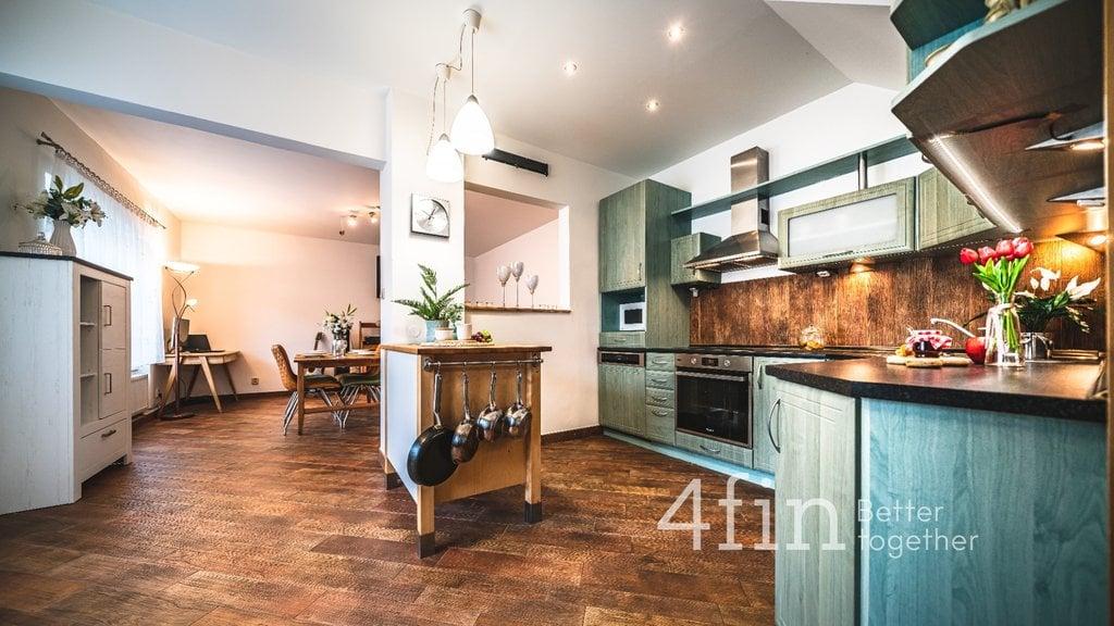 Prodej, Rodinné domy, 340m² - Praha - Satalice