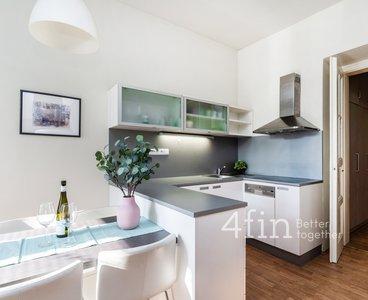 Pronájem bytu 2+kk, 57 m² - Praha - Dejvice