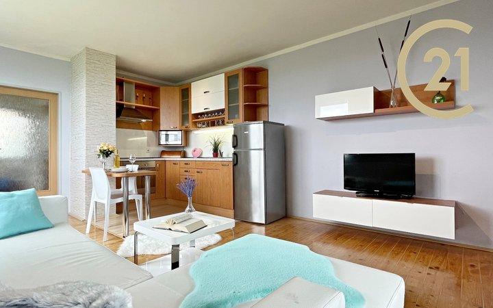 Prodej krásného bytu 2+kk, 47m² s vyhrazeným parkovacím stáním - Praha - Letňany