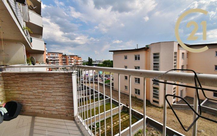 Pronájem pěkného bytu 1+kk 41 m² + terasa 4 m²,ul. Bělohorská 147