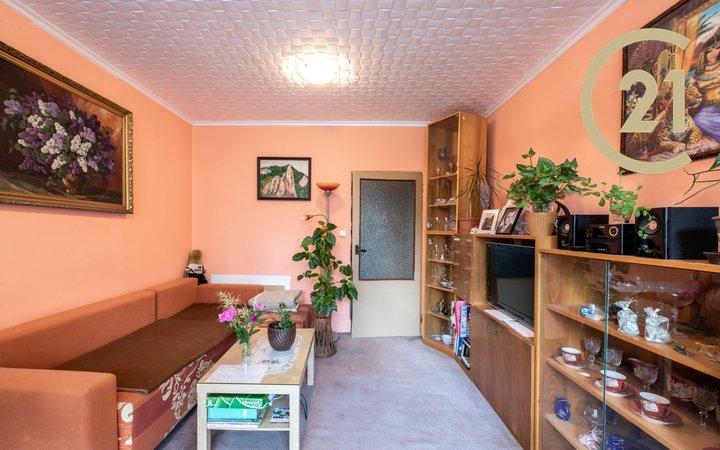 Prodej rodinného bytu 3+1 s balkonem, komorou, 76m² - Velké Opatovice