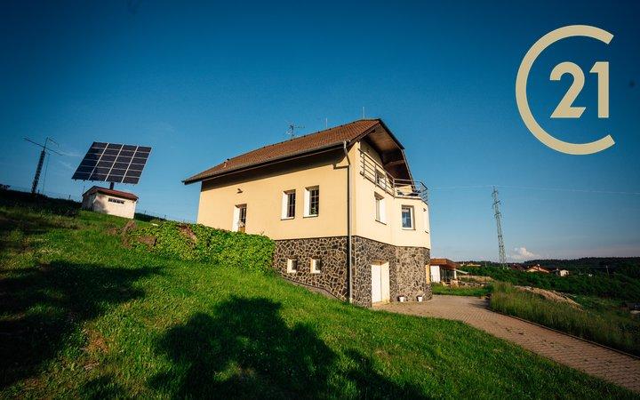 Rodinný dům s výhledem a pozemkem 3265m²  6 km od Plzně