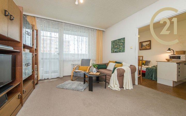 Prodej bytu 1+1/B, 35m2, Praha - Lhotka