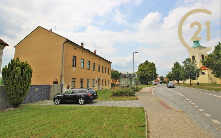 Nájemní dům Ostrovačice, náměstí Viléma Mrštíka, užitná plocha domu cca 803 m2