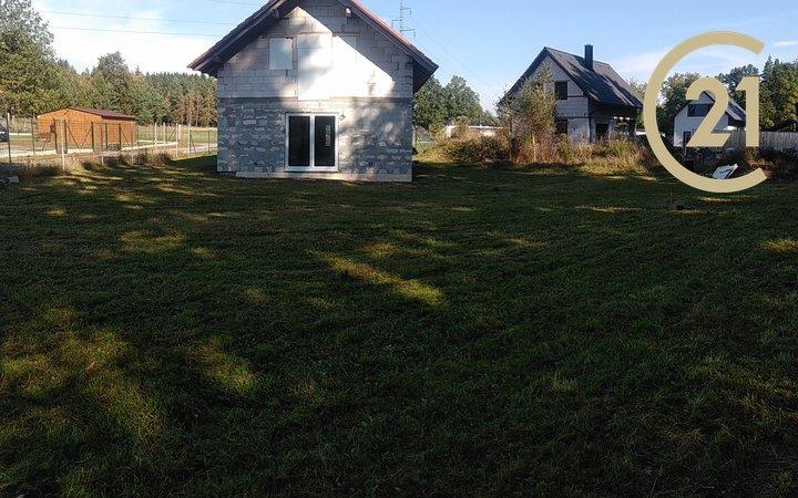 Prodej pozemku se stavbou 110m2 pro bydlení, pozemek 965m² - Rodvínov - Jindřiš