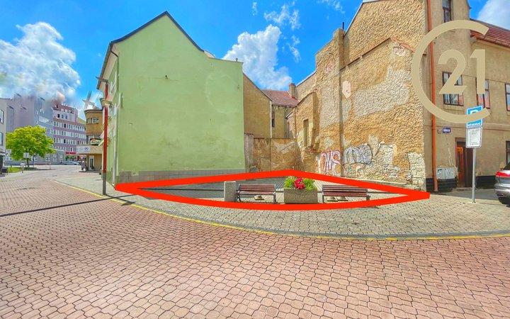 Prodej stavebního pozemku 115m2 s projektem a stavebním povolením na bytový dům v centru Kladna
