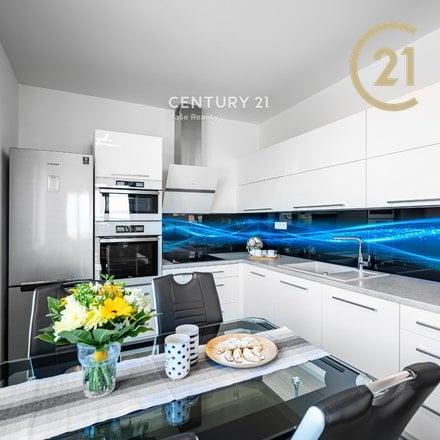 Prodej bytu 2+kk 60 m2 s balkonem, Pohořelice