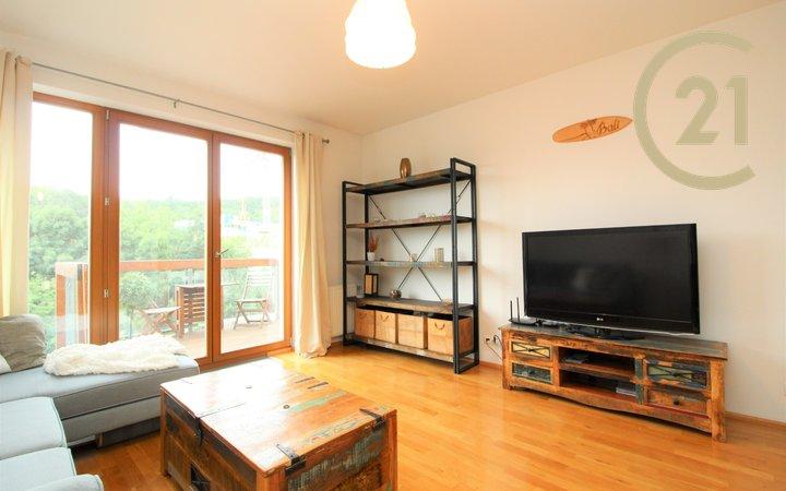 Prodej bytu 2+kk s terasou a garážovým stáním