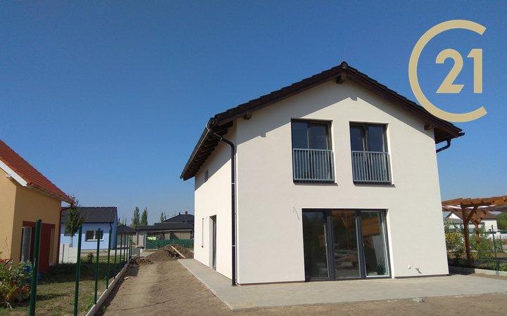 Novostavba prostorného rodinného domu 4+kk 155,5 s pozemkem 560m2, Zlonín u Prahy