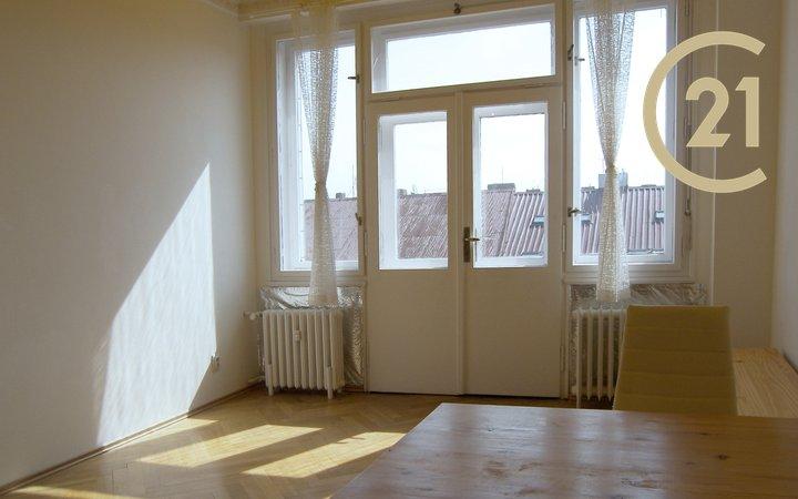 Pronájem, Bytu 1+1, 31,4 m² - Praha 5 - Štefánikova 51