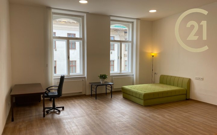 Pronájem bytu 1+kk s užitnou plochou 52,5 m2