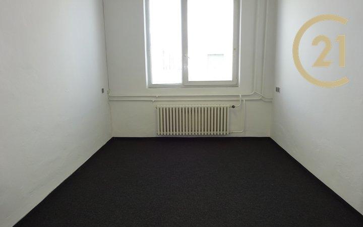 Pronájem kanceláře, skladu nebo e-shop  33 m²