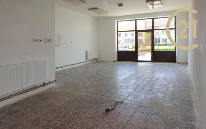 Pronájem, Obchodní prostory, (80m²), Masarykovo náměstí, Kojetín