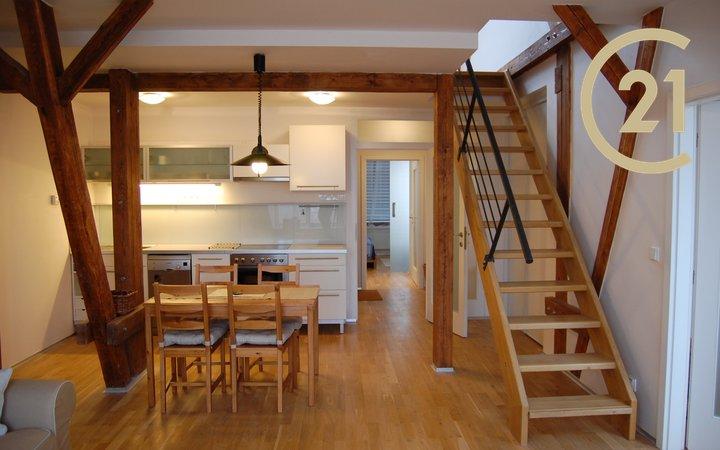 Pronájem mezonetového bytu 3+kk +galerie, 92m2 s pěkným výhledem
