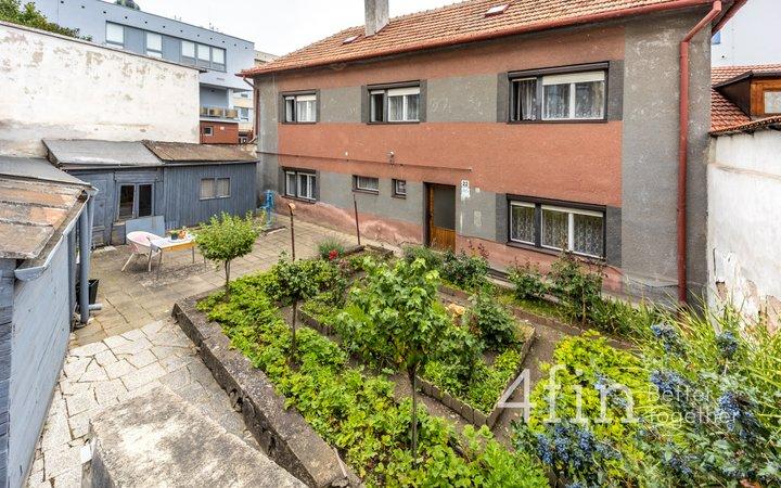 Prodej rodinného domu 4+1 , 278 m2 - Třebíč - Jejkov