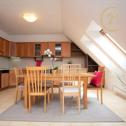 Pronájem bytu 3+kk/B, 108 m2, garáž, zahrádka