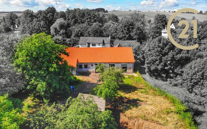 Rodinný dům 180m2 s krásným slunným pozemkem 2 198m2, Nesvačily u Bystřice