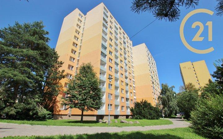 Prodej bezbariérového bytu 1+kk s orientací na východ, výměra 25m², 4. patro s výtahem, Brno – Řečkovice, Horácké náměstí 8.