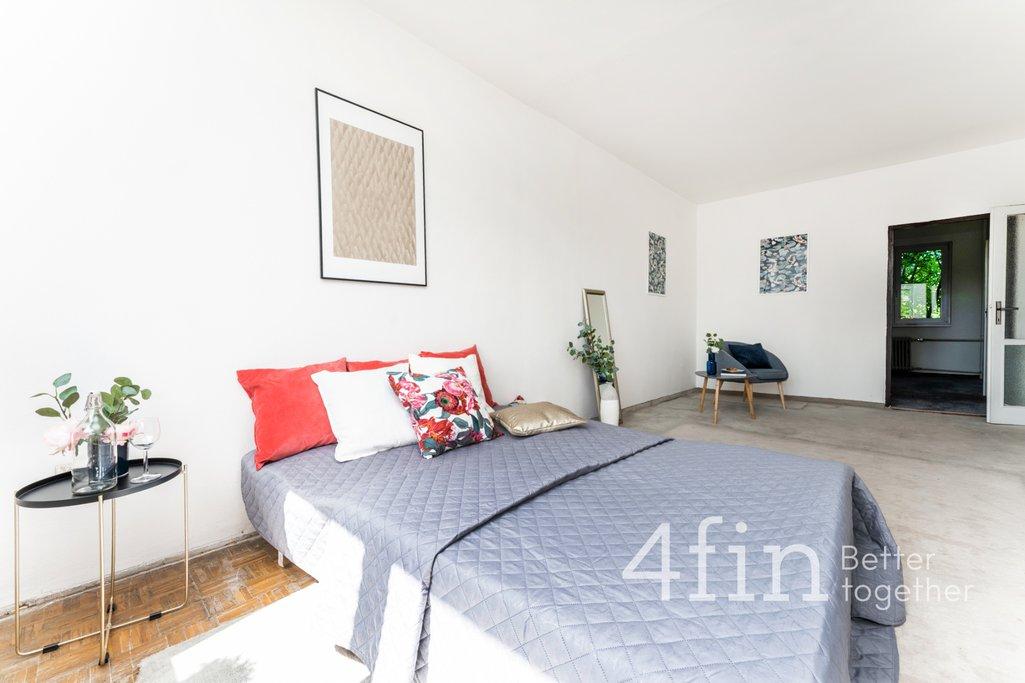 Prodej bytu 2+1 s potenciálem, 57m² - Praha 10 -